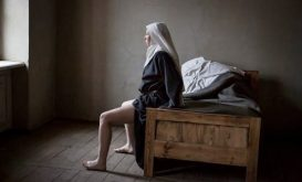 Anne Fontaine, Agnus Dei, Francia, 2016 (IMG _ presa dal web)