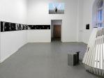 """Gisela Weimann (Berlino) Videoistallazione con film da muro di 6 metri per """"Welcome to Futuristan"""", Kunstquartier Bethanien, Berlino 2016"""