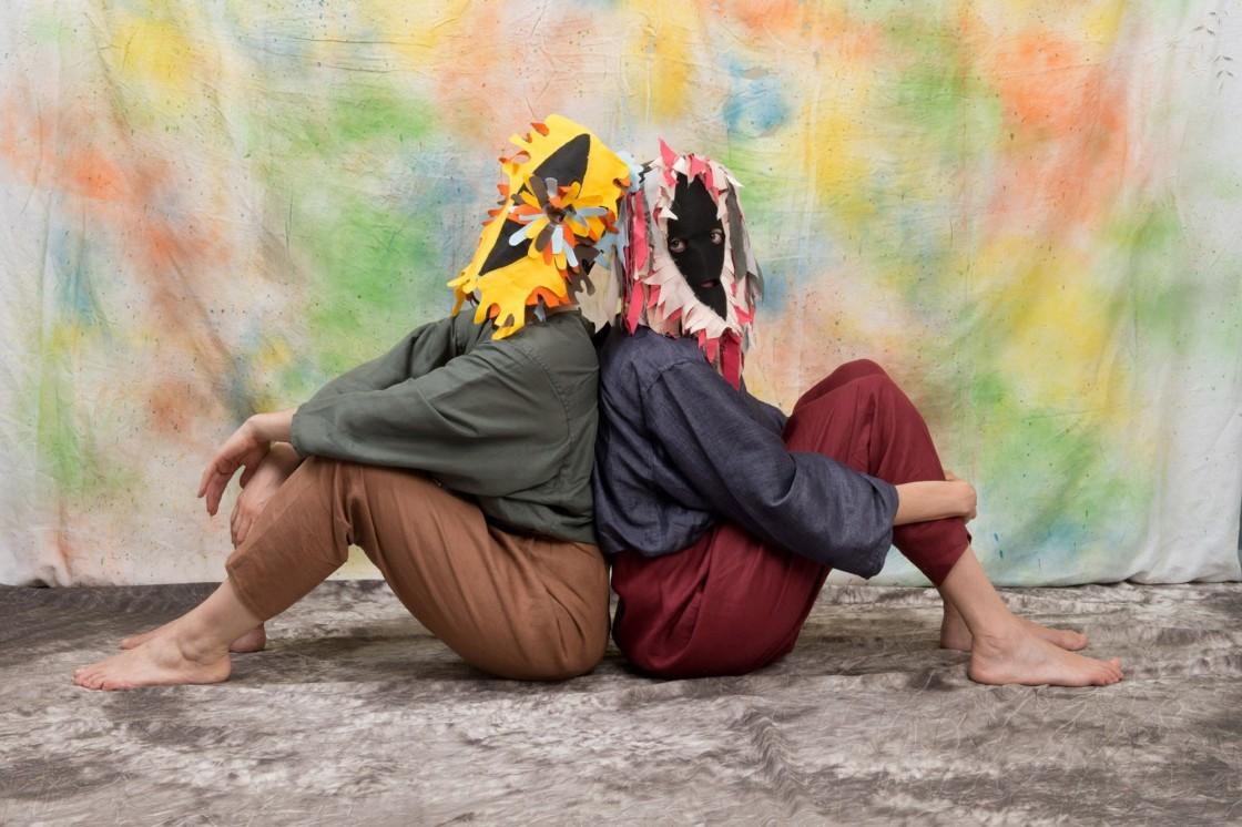 Grossi Maglioni, Gesti di relazione, Amicizia I, 2016. Foto Mirai Pulvirenti