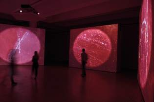 Grazia Toderi e Orhan Pamuk Words and Stars (Conversazione), 2013-2017 cinque proiezioni video, loop, sonoro-min