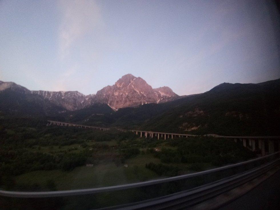 Autostrada A24, GranSasso e Monti della Laga (versante teramano), maggio 2018, ph. Amalia Temperini