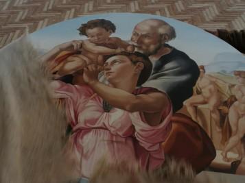 Lo svelamento del Tondo Doni. Scena tratta dal film Michelangelo Infinito | Courtesy of Sky
