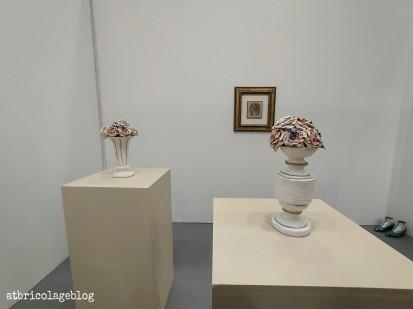 Bertozzi & Casoni, Elogio dei fiori finti - Galleria G. A. M - Arte Fiera 2020, Bologna - ph. Amalia Temperini