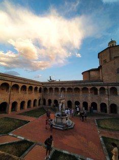 Dettagli Chiostro Basilica di Atri ph. Amalia Temperini