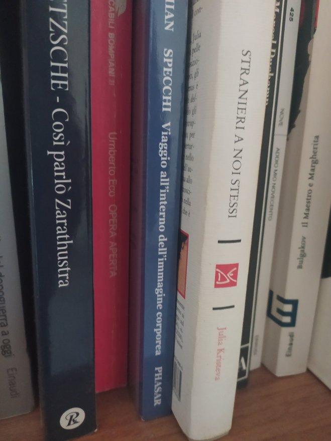 libri - ph. AT