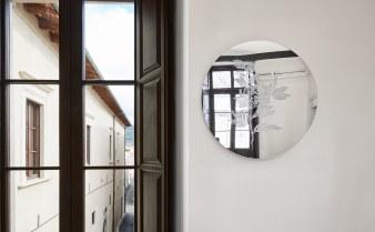 30 Palazzo Ardinghelli, allestimento Punto di equilibrio, dettaglio Anastasia Potemkina – Untitled, 2018-20 Foto Agostino Osio – AltoPiano
